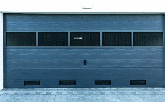Realizacja bramy garażowej przemysłowej