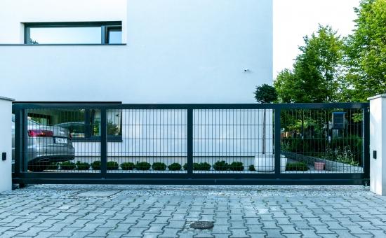 Realizacja ogrodzenia przez firmę Makpol